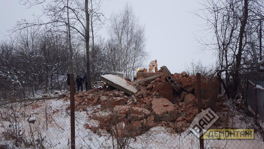 Демонтаж кирпичного дома 03